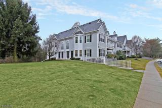 1430 Magnolia Ln, Branchburg Twp., NJ 08876 (MLS #3367235) :: The Dekanski Home Selling Team