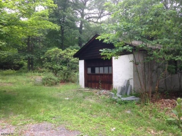 461 W Brook Rd, Ringwood Boro, NJ 07456 (MLS #3311866) :: The Dekanski Home Selling Team