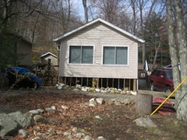 4 Decker Pond Rd, Vernon Twp., NJ 07461 (MLS #3313380) :: The Dekanski Home Selling Team