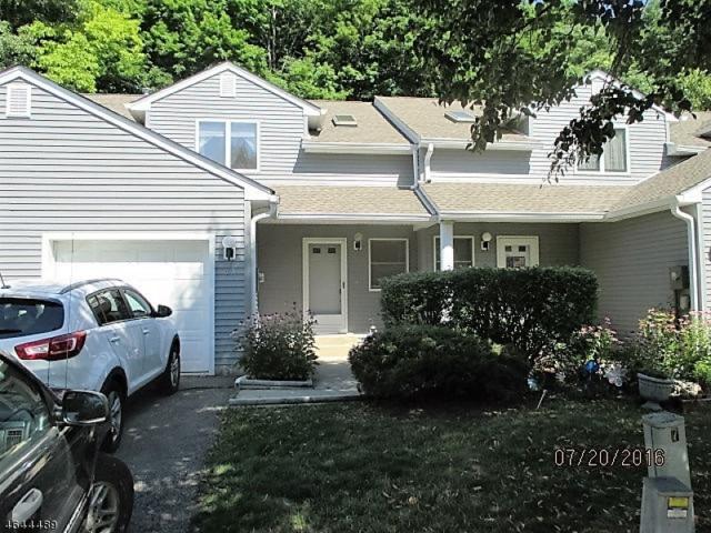 63 Meadow Pond Rd, Hardyston Twp., NJ 07419 (MLS #3323950) :: The Dekanski Home Selling Team
