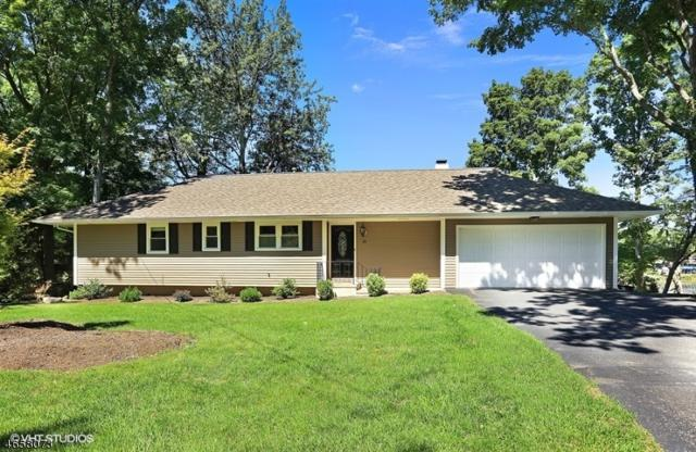 20 Commanche Ln, West Milford Twp., NJ 07421 (MLS #3336763) :: The Dekanski Home Selling Team