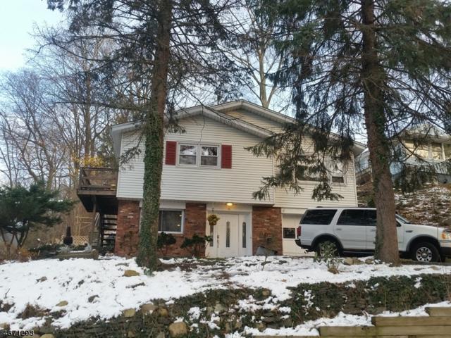 4 Cobb Pl, Roxbury Twp., NJ 07850 (MLS #3348849) :: The Dekanski Home Selling Team