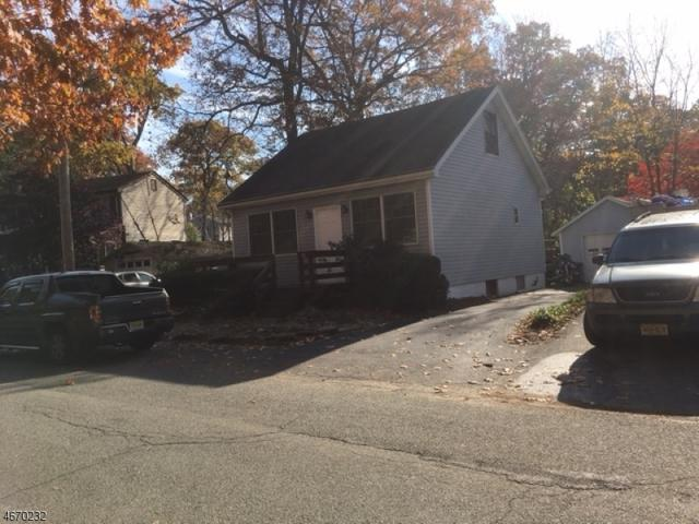 18 Dunham Rd, West Milford Twp., NJ 07421 (MLS #3349310) :: The Dekanski Home Selling Team