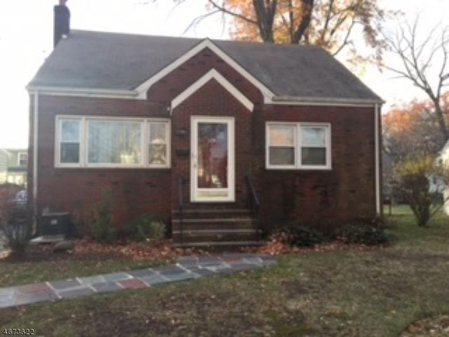 349 Maplewood Ave, Kenilworth Boro, NJ 07033 (MLS #3350969) :: The Dekanski Home Selling Team