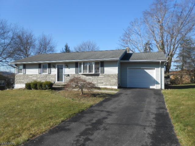 408 Indiana Avenue, Pohatcong Twp., NJ 08865 (MLS #3374655) :: The Dekanski Home Selling Team
