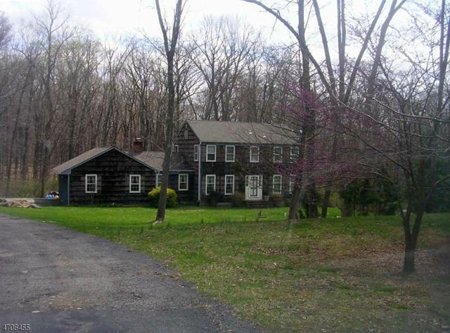 355 Fairview Ave, Washington Twp., NJ 07853 (MLS #3380778) :: The Dekanski Home Selling Team