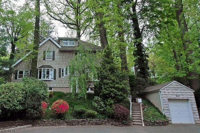 239 Wyoming Ave, Maplewood Twp., NJ 07040 (MLS #3385927) :: The Dekanski Home Selling Team