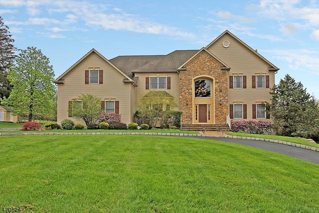 3 Linderberry Ct, Bridgewater Twp., NJ 08836 (MLS #3386562) :: The Dekanski Home Selling Team