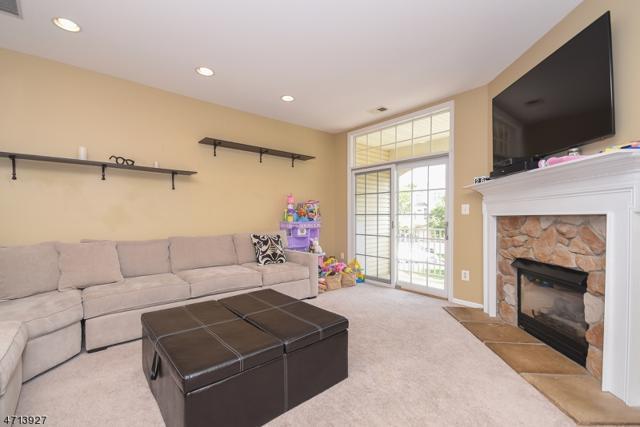 414 Turlington Ct, Livingston Twp., NJ 07039 (MLS #3391826) :: The Dekanski Home Selling Team