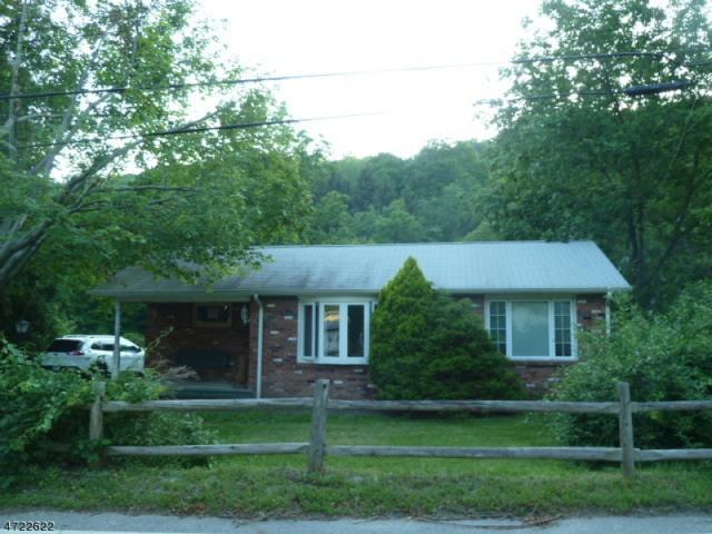 305 Germantown Rd, West Milford Twp., NJ 07480 (MLS #3395941) :: The Dekanski Home Selling Team