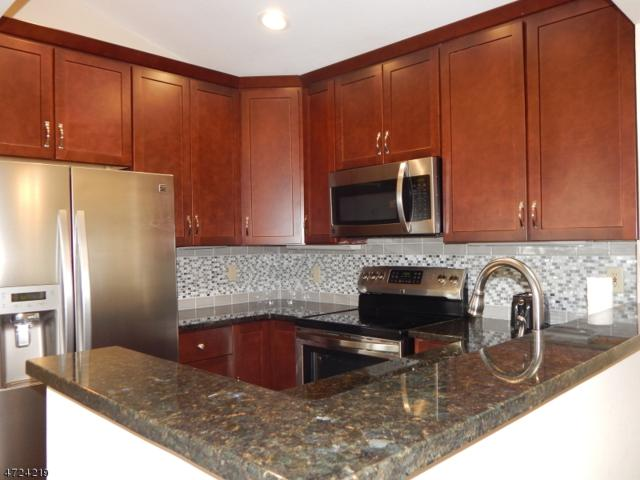 32 Pheasant Brook Ct, Bedminster Twp., NJ 07921 (MLS #3397793) :: The Dekanski Home Selling Team