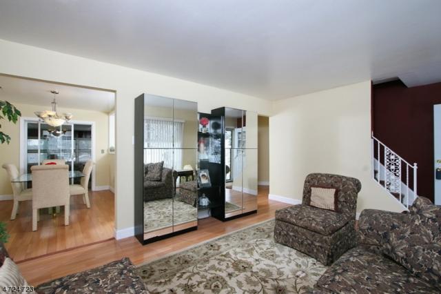 36 Manor Rd, Livingston Twp., NJ 07039 (MLS #3397880) :: The Sue Adler Team