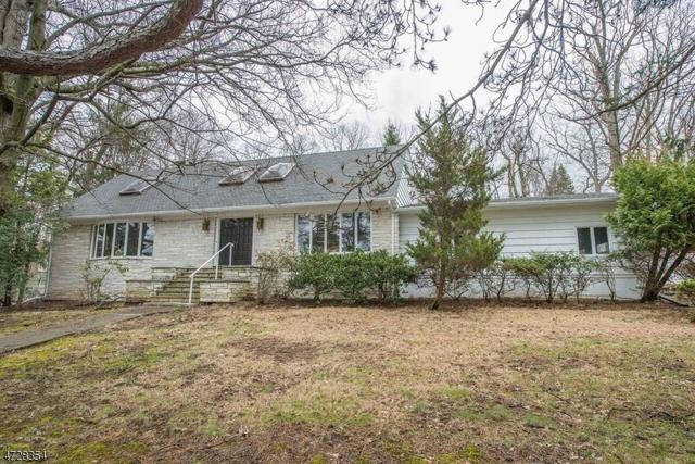 7 Robinwood Drive, Little Falls Twp., NJ 07424 (MLS #3401274) :: The Dekanski Home Selling Team