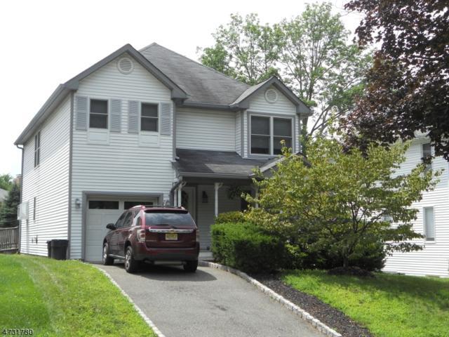 28 Wakefield Pl, Caldwell Boro Twp., NJ 07006 (MLS #3404541) :: RE/MAX First Choice Realtors