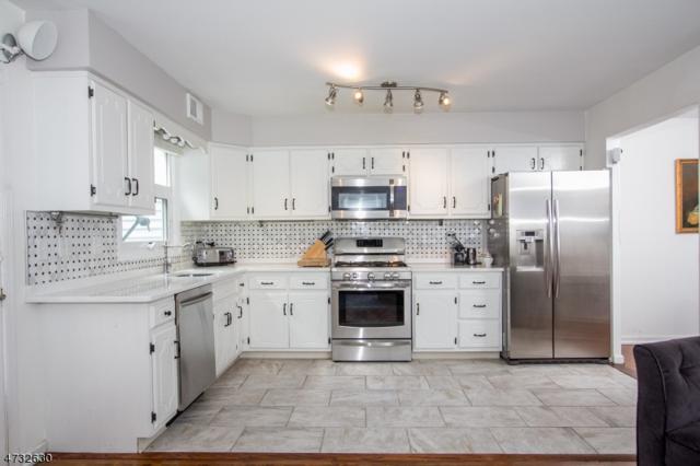 29 Hampshire Dr, Mendham Boro, NJ 07945 (MLS #3405195) :: The Dekanski Home Selling Team