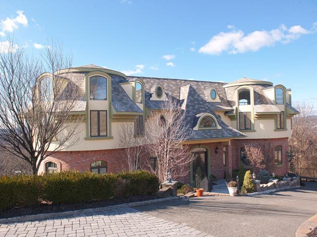 8 Highview Ct, Wayne Twp., NJ 07470 (MLS #3405845) :: The Dekanski Home Selling Team