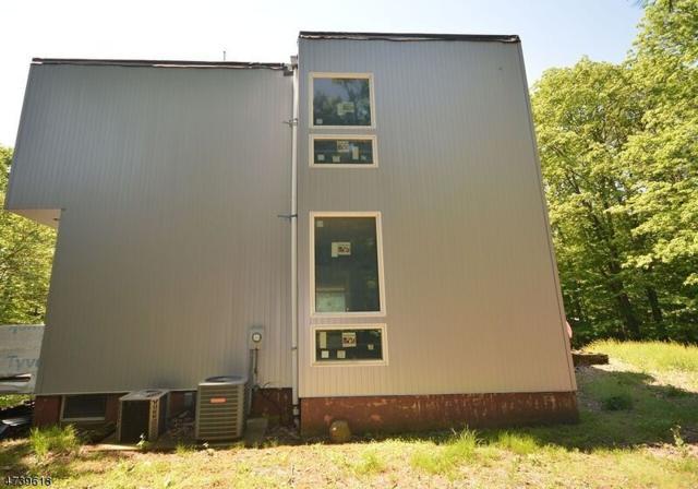 62 Canterbury Ln, Watchung Boro, NJ 07069 (MLS #3412286) :: The Dekanski Home Selling Team