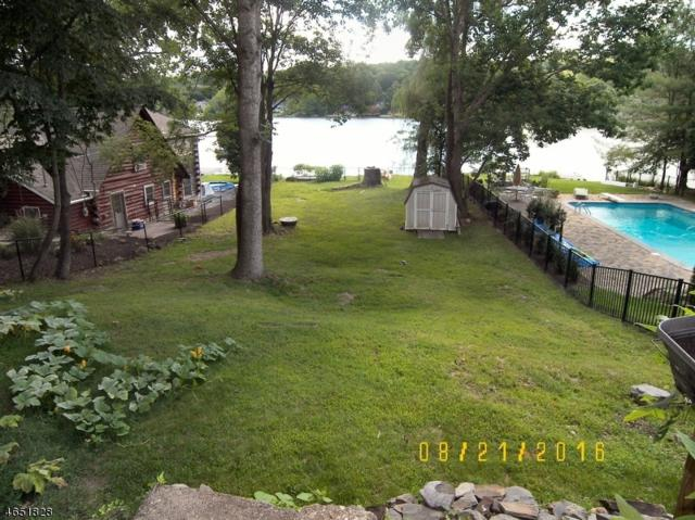 251 Bearfort Rd, West Milford Twp., NJ 07480 (MLS #3413225) :: The Dekanski Home Selling Team