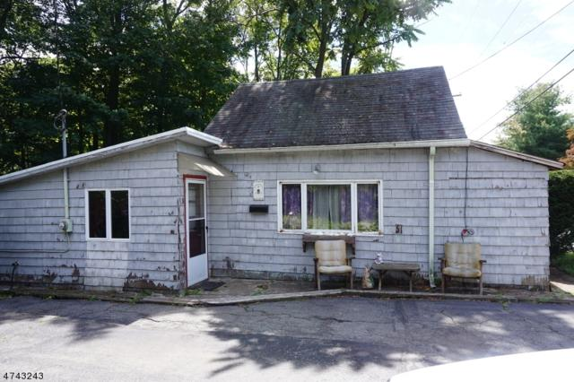 586 Macopin Rd, West Milford Twp., NJ 07480 (MLS #3415029) :: The Dekanski Home Selling Team
