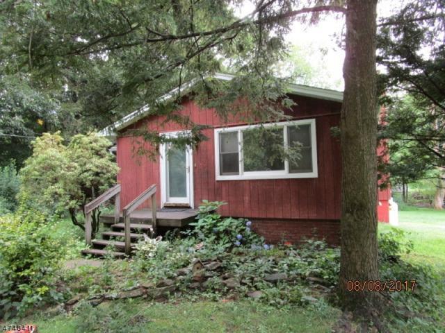 69 Banker Rd, West Milford Twp., NJ 07421 (MLS #3419823) :: The Dekanski Home Selling Team