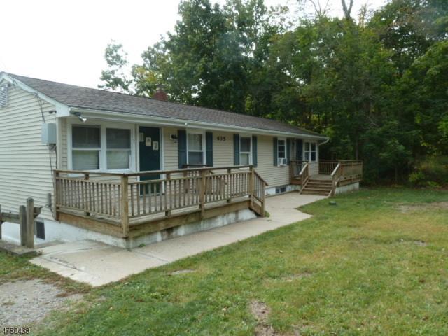 635 Lake Shore Dr, West Milford Twp., NJ 07421 (MLS #3422049) :: The Dekanski Home Selling Team
