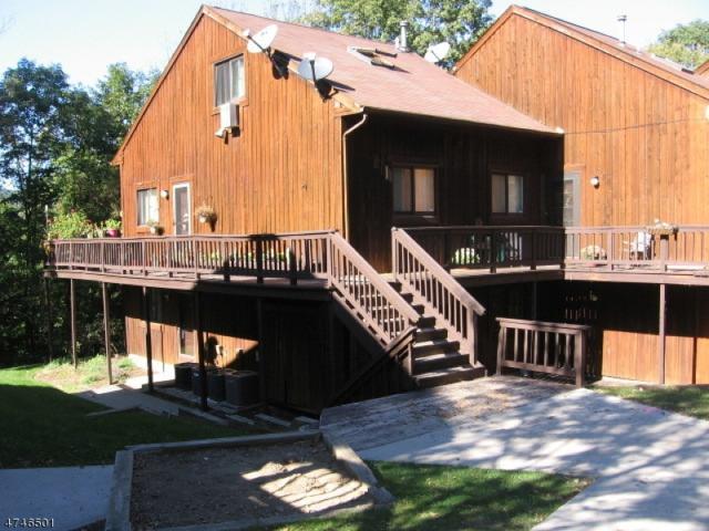 17 Stonehill Dr, Unit 9 #9, Vernon Twp., NJ 07462 (MLS #3422055) :: The Dekanski Home Selling Team