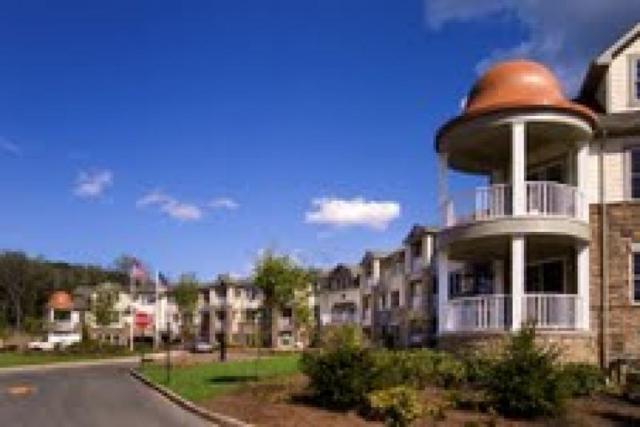 261 Victoria Dr, Bridgewater Twp., NJ 08807 (MLS #3424363) :: The Dekanski Home Selling Team