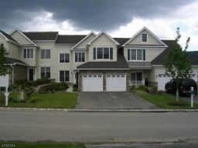 70 Briar Ct, Hardyston Twp., NJ 07419 (MLS #3424397) :: The Dekanski Home Selling Team
