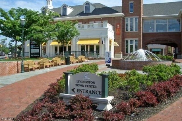 1308 Town Center Way, Livingston Twp., NJ 07039 (MLS #3425431) :: The Dekanski Home Selling Team