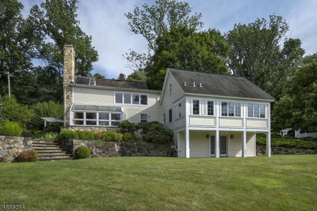 79 Pleasant Valley Rd, Mendham Boro, NJ 07945 (MLS #3425560) :: The Dekanski Home Selling Team