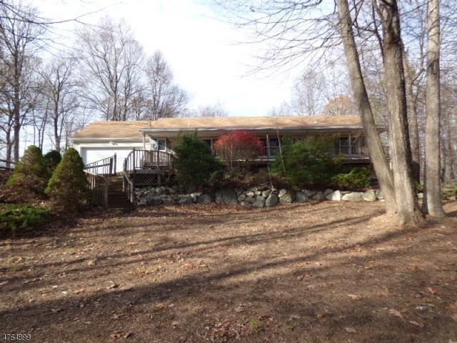 19 Woodland Hills Dr, Vernon Twp., NJ 07461 (MLS #3435219) :: Jason Freeby Group at Keller Williams Real Estate