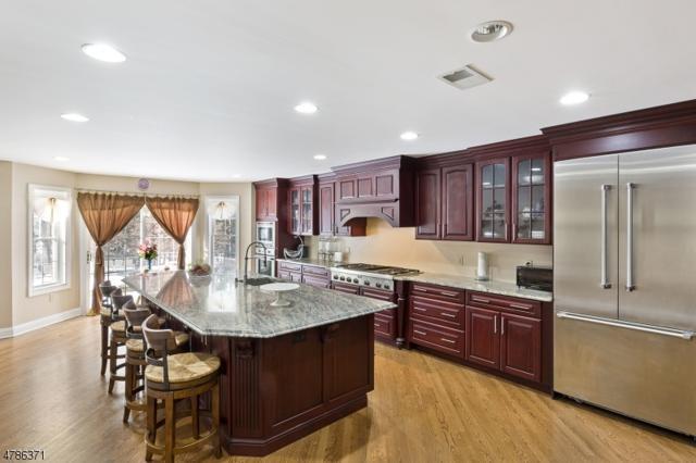 1390 Mallard Dr, Bridgewater Twp., NJ 08836 (MLS #3454196) :: SR Real Estate Group