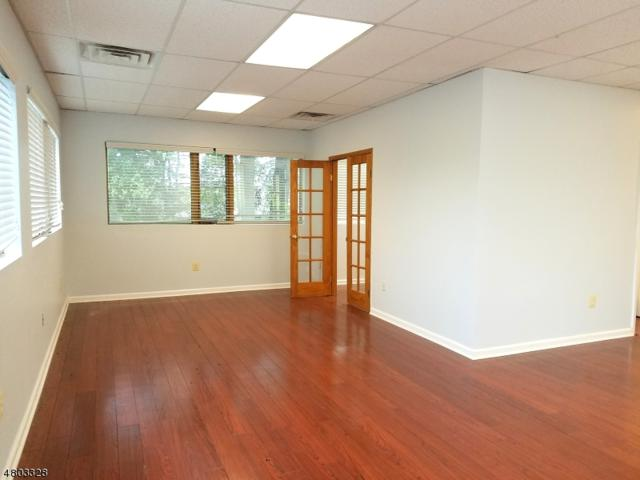 239 New Rd, Parsippany-Troy Hills Twp., NJ 07054 (#3469921) :: Daunno Realty Services, LLC