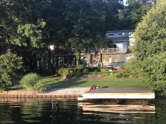278 Pines Lake Dr, Wayne Twp., NJ 07470 (MLS #3472873) :: The Sue Adler Team