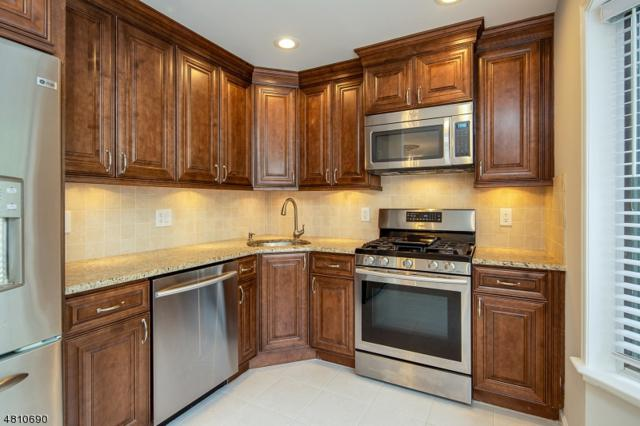 900 Valley Rd, Clifton City, NJ 07013 (MLS #3477097) :: William Raveis Baer & McIntosh