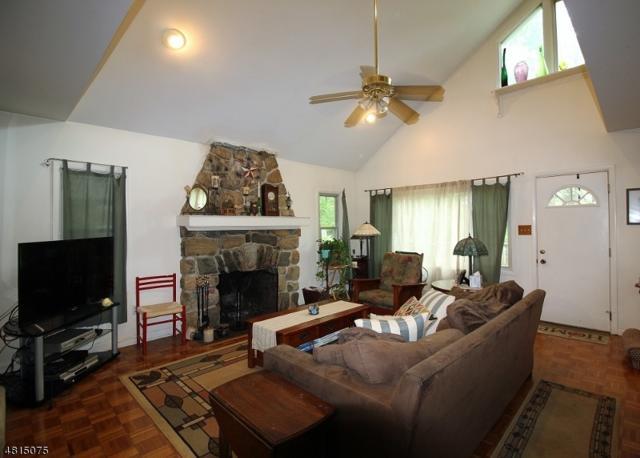 47 Windbeam Ave, Ringwood Boro, NJ 07456 (MLS #3481189) :: William Raveis Baer & McIntosh