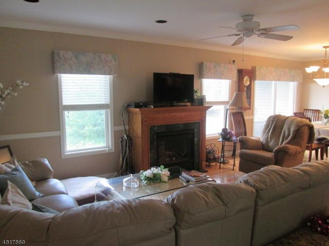 17 Bourne Cir, Hardyston Twp., NJ 07419 (MLS #3486297) :: William Raveis Baer & McIntosh