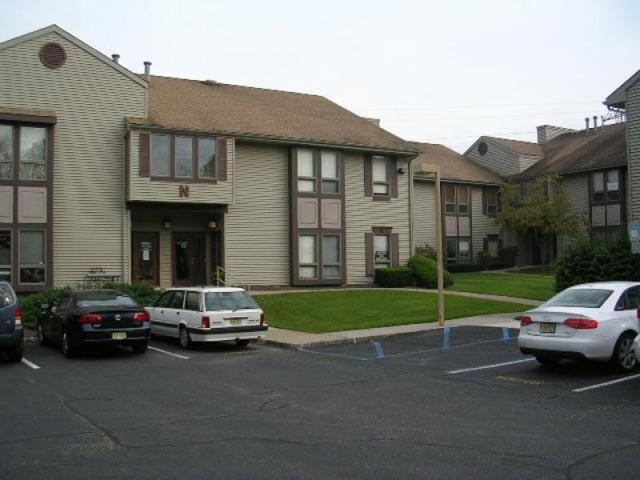 150 River Rd Unit N2b, Montville Twp., NJ 07045 (MLS #3488153) :: The Debbie Woerner Team