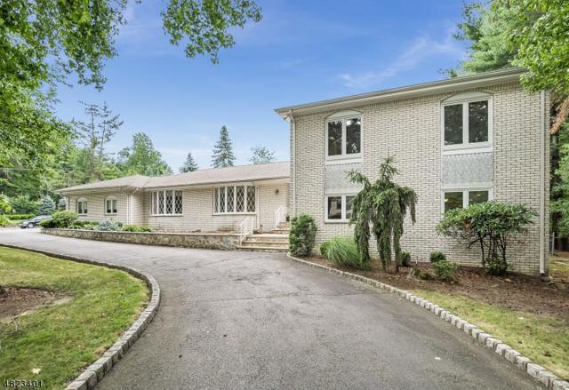44 Green Pl, North Caldwell Boro, NJ 07006 (MLS #3488636) :: Zebaida Group at Keller Williams Realty