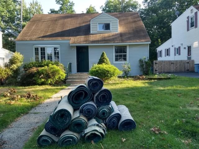 502 Albermarle St, Rahway City, NJ 07065 (MLS #3493292) :: The Dekanski Home Selling Team
