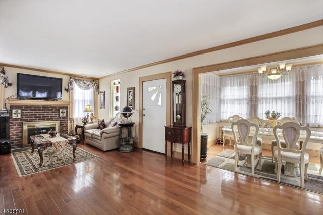 1 Oak Ter, West Orange Twp., NJ 07052 (MLS #3493606) :: Zebaida Group at Keller Williams Realty