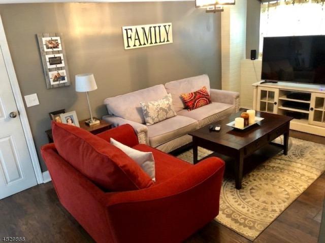 2808 Spruce St, Union Twp., NJ 07083 (MLS #3494629) :: The Dekanski Home Selling Team