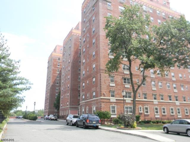 70 S Munn Ave Unit 411, East Orange City, NJ 07018 (MLS #3499961) :: Pina Nazario