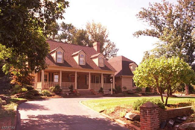 24 Jacobean Way, Mahwah Twp., NJ 07430 (MLS #3500889) :: SR Real Estate Group