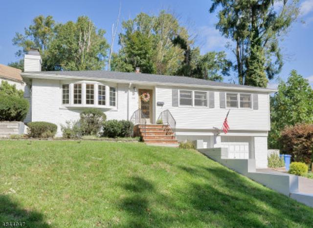 214 Oak Tree Rd, Mountainside Boro, NJ 07092 (MLS #3508978) :: The Dekanski Home Selling Team