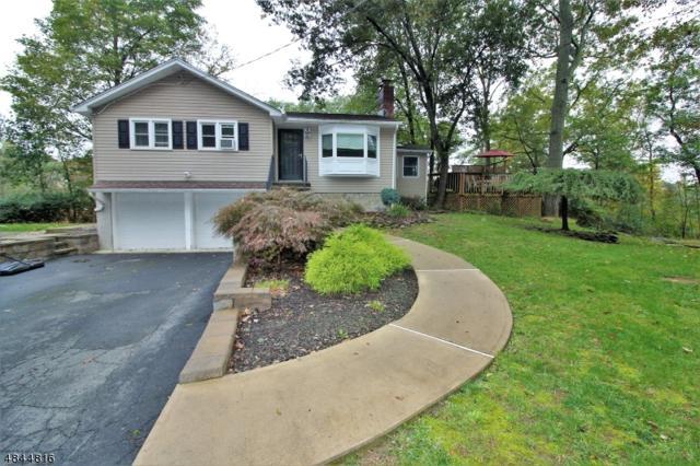 3 Woodland Rd, Byram Twp., NJ 07821 (MLS #3509492) :: The Douglas Tucker Real Estate Team LLC
