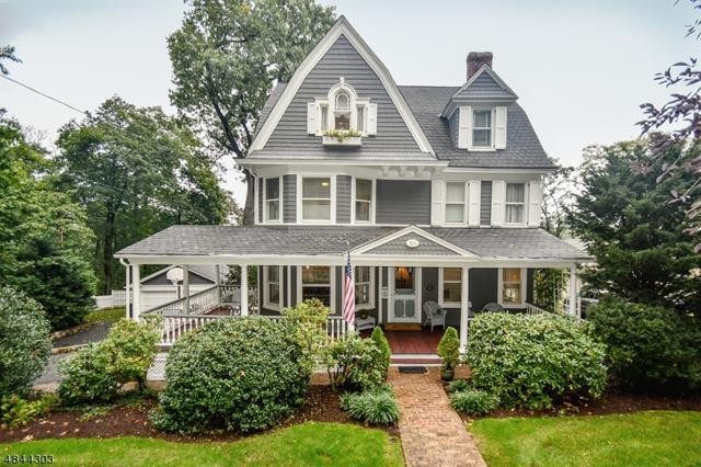 16 Oak Ridge Ave, Summit City, NJ 07901 (MLS #3510236) :: The Dekanski Home Selling Team