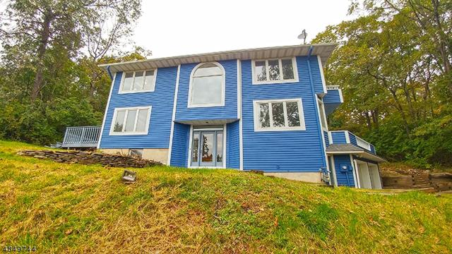 24 Mallard Dr, Allamuchy Twp., NJ 07840 (MLS #3513320) :: The Dekanski Home Selling Team