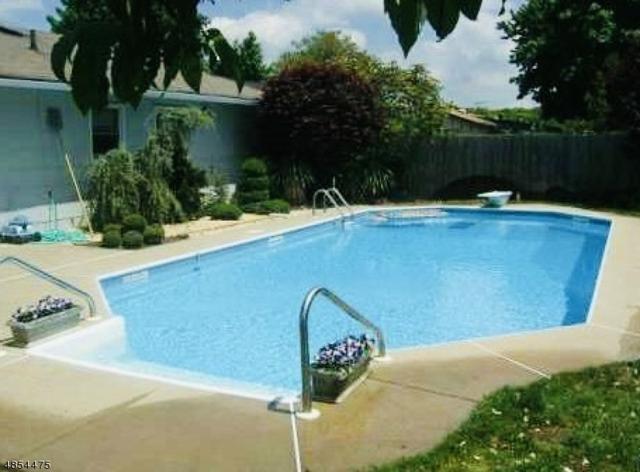 12 Drake Ave, Monroe Twp., NJ 08831 (MLS #3517499) :: Coldwell Banker Residential Brokerage