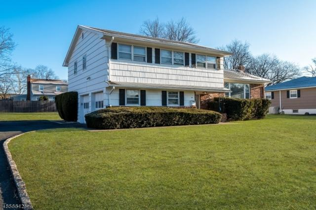 35 Lance Dr, Clark Twp., NJ 07066 (MLS #3520038) :: The Dekanski Home Selling Team